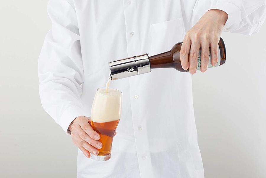 家飲みで美味しくビールの泡を立てるビアフォーマー