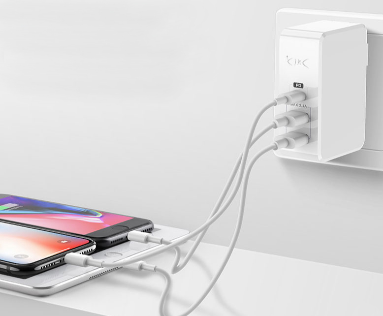 【PD充電器】スマホやタブレットを爆速充電できる!