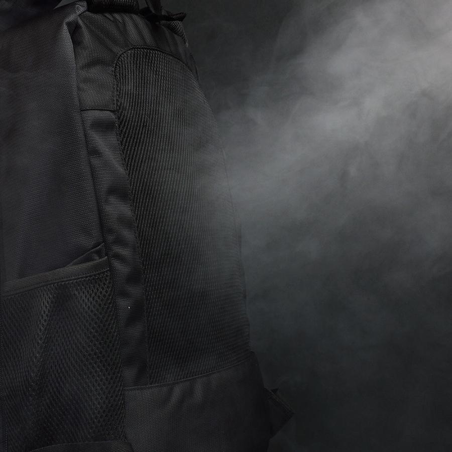 「蒸れない快適リュック」背中の部分から風が出で不快ゼロ!
