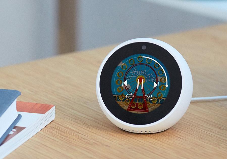 スクリーン搭載のAmazon「Echo Spot」が超便利!