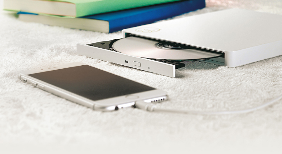 【便利グッズ】パソコンなしで音楽CDをiPhoneへ移せる!
