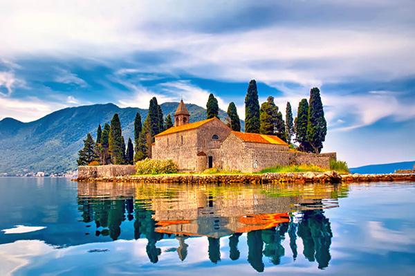 【モンテネグロ】「コトル」世界一美しい湾の奥深くに築かれた要塞都市