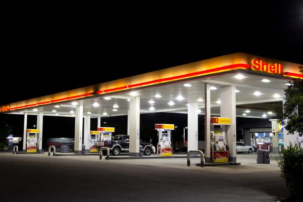 【裏技】「その入れ方、損しているかも」ガソリン代金を節約6つの方法!
