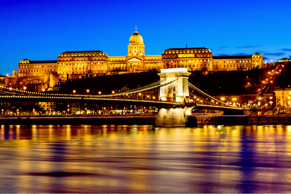 【ハンガリー】ブダペスト『宝石のように輝く美しき「ドナウの真珠」』