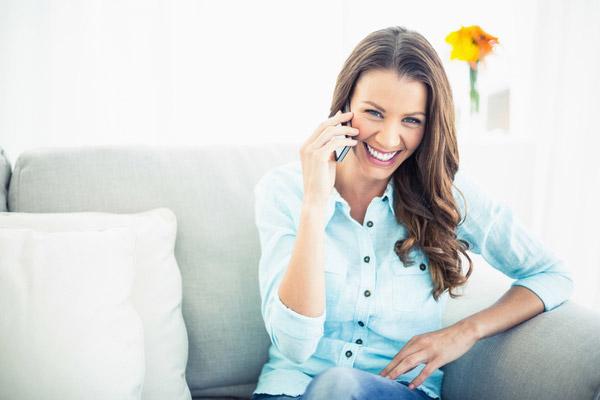 スマホの通話料を節約できるIP電話って何? 有料なら固定電話へも格安