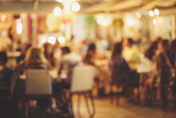 レストランでタダで食事して報酬までもらえる「覆面調査員」って何?
