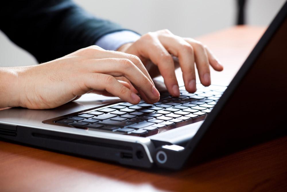 ノートパソコンをデスクトップ化するおすすめアイテム!