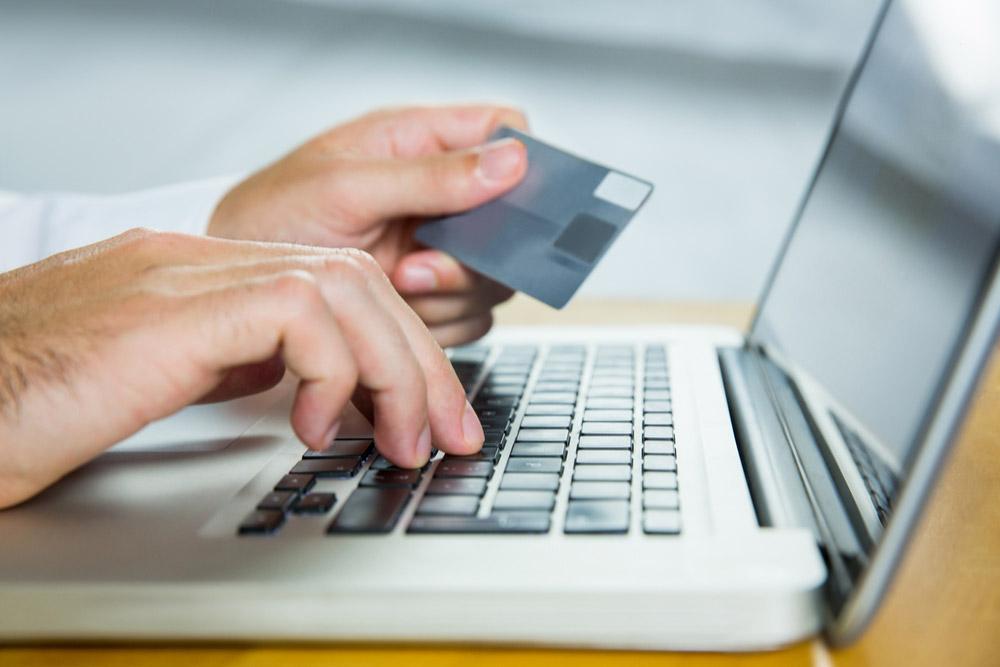 海外の怪しいサイトはダミーのクレジットカード番号で登録しよう!