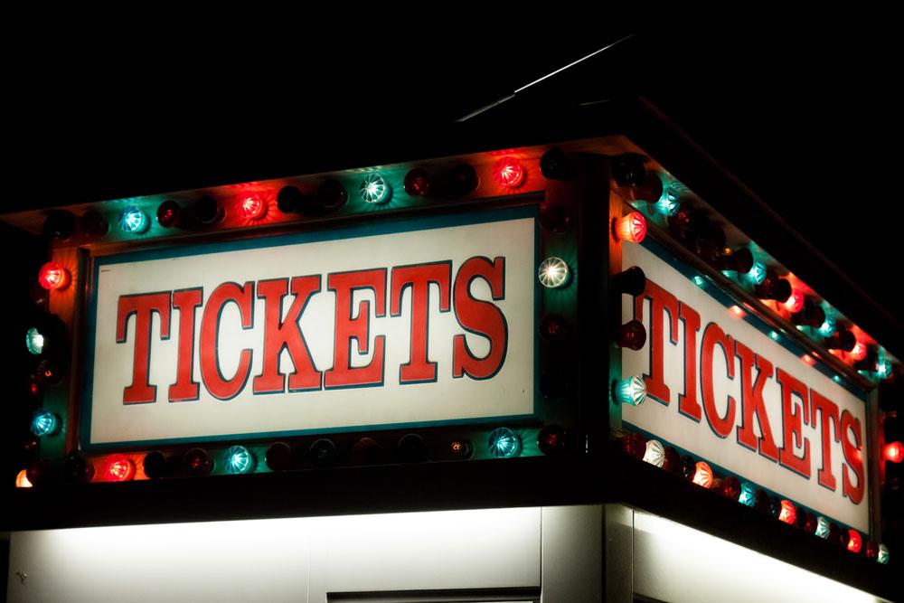 【知ってた?】「チケット不正転売禁止法」で定価より高く転売すると逮捕される!?