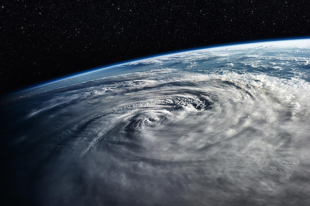 台風の名前って変わったのが多いけど、誰が決めて付けているの?