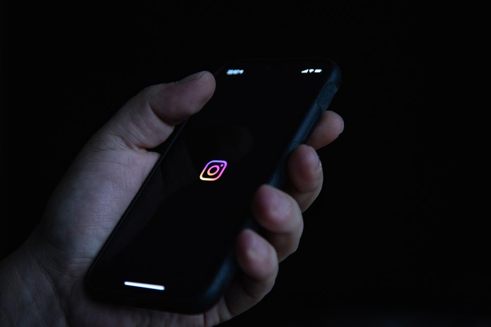 Instagram(インスタ)の「ミュート機能」の使い方 相手に設定したのバレる? バレない?