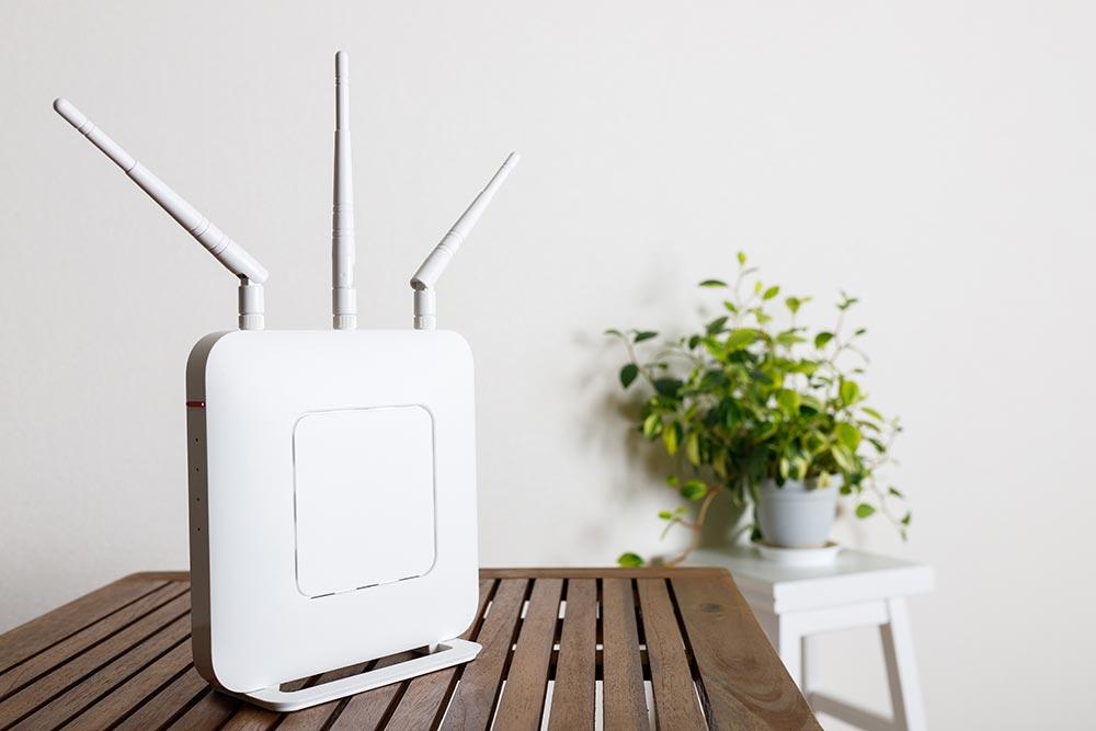 今さら聞けない「無線LANルーター」って何? スマホでネット接続するとき何を使ってる?
