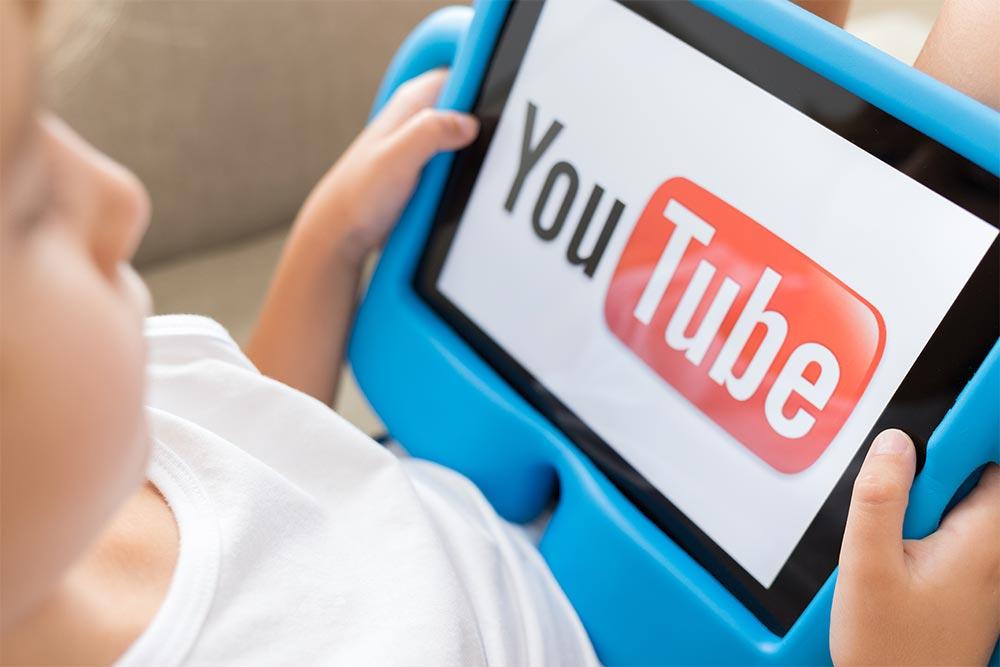 子どもにYouTubeを見せるとき親の許可した健全な動画だけを見せる方法!