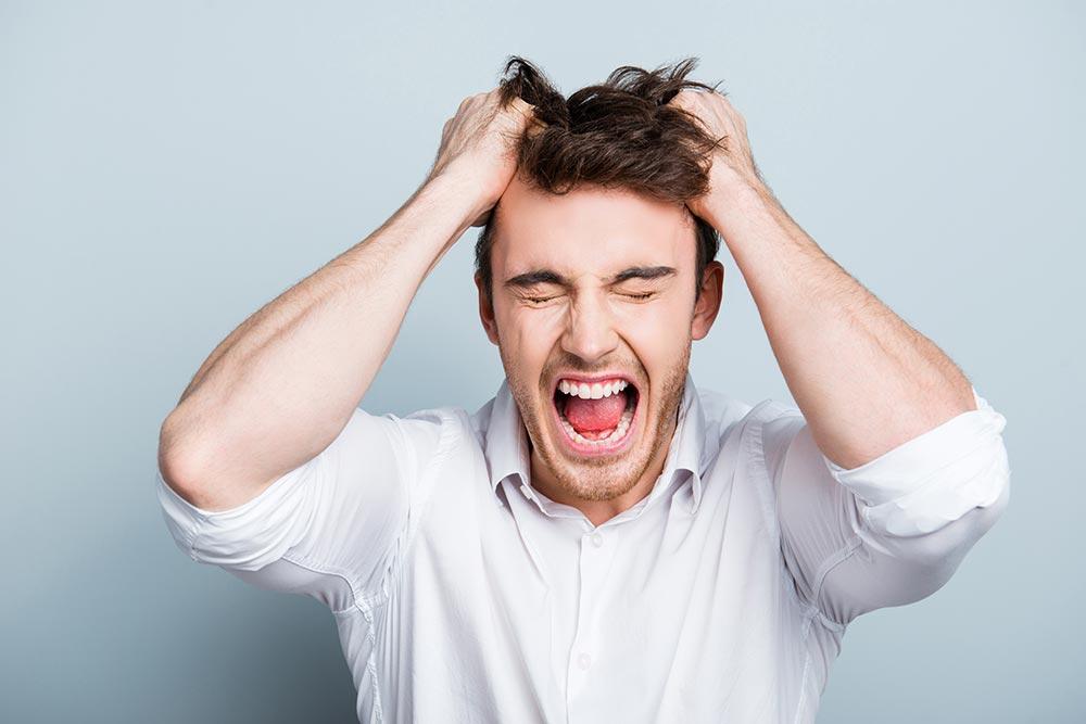 職場で毎日のように怒られているけど・・・いったいどこからがパワハラになるの?