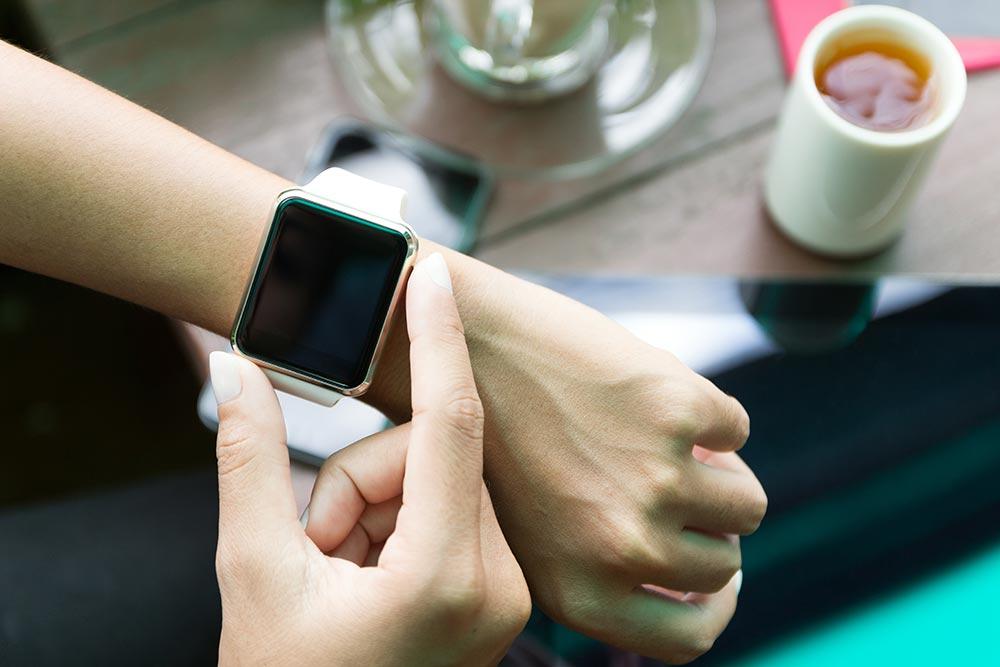 あまり知られていないiPhoneの着信をApple Watchでミュートにする技