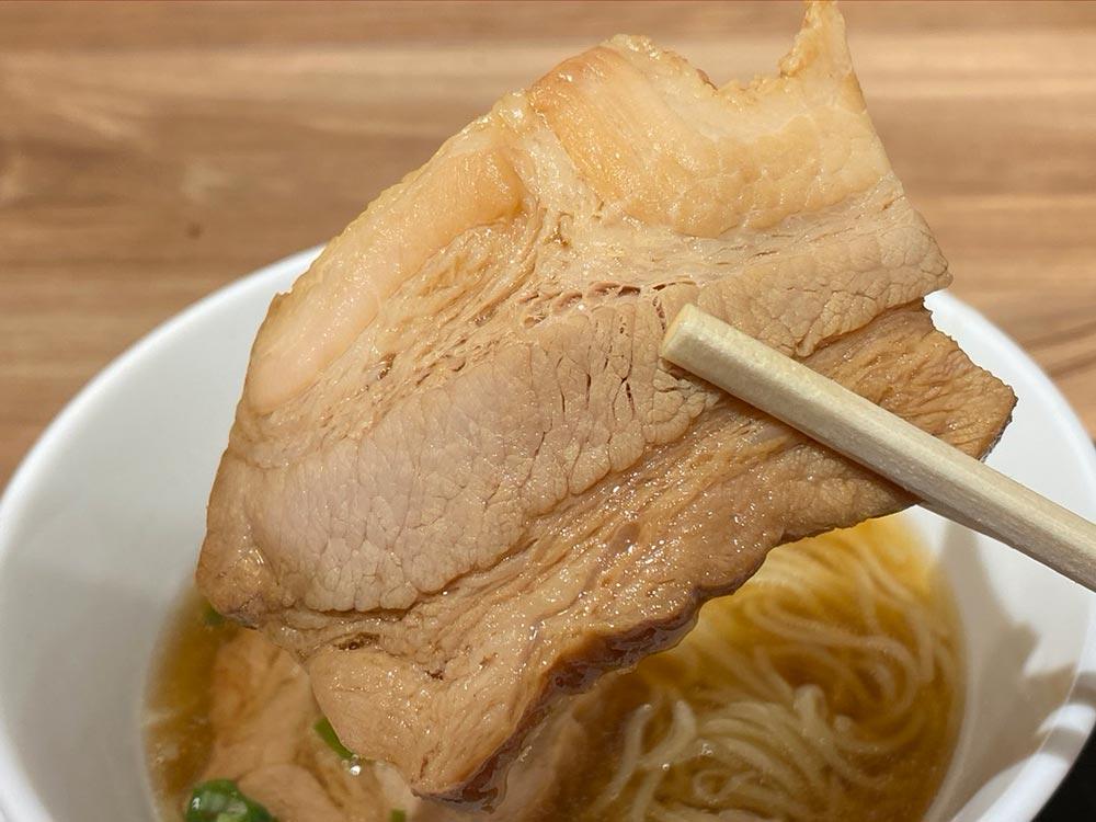 ミスドの「厚切り肉そば」は麺もスープも「うーん」これならインスタントのほうがいいかも